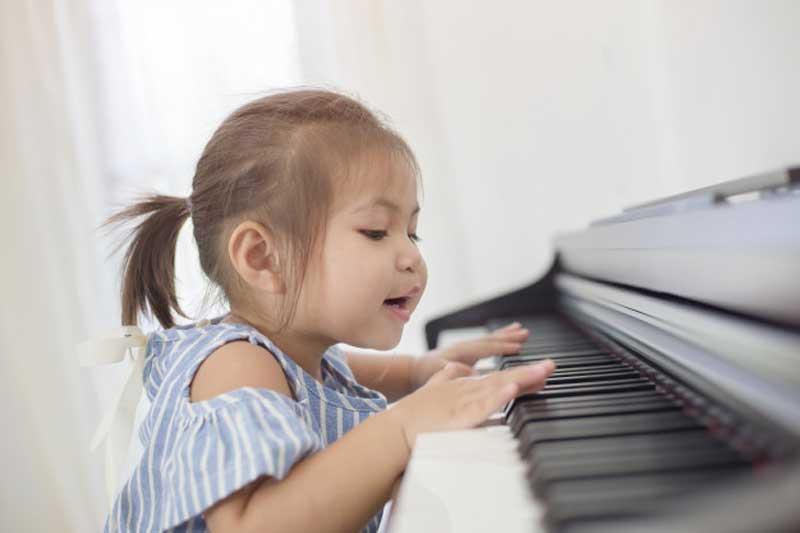 مکتب پیانو سوزوکی جلد چهارم